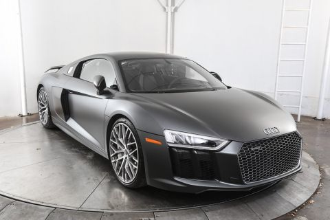 Pre-Owned 2017 Audi R8 5.2 Plus With Navigation