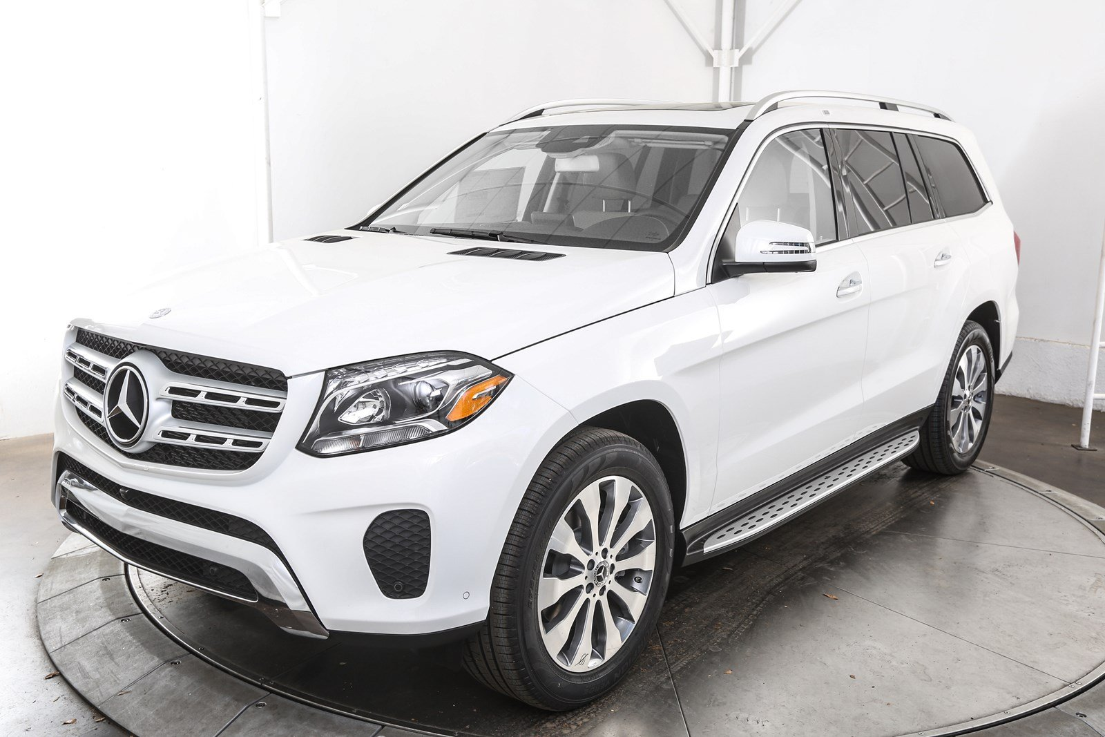 New 2017 mercedes benz gls gls 450 suv in austin m56861 for 2017 mercedes benz gls 450
