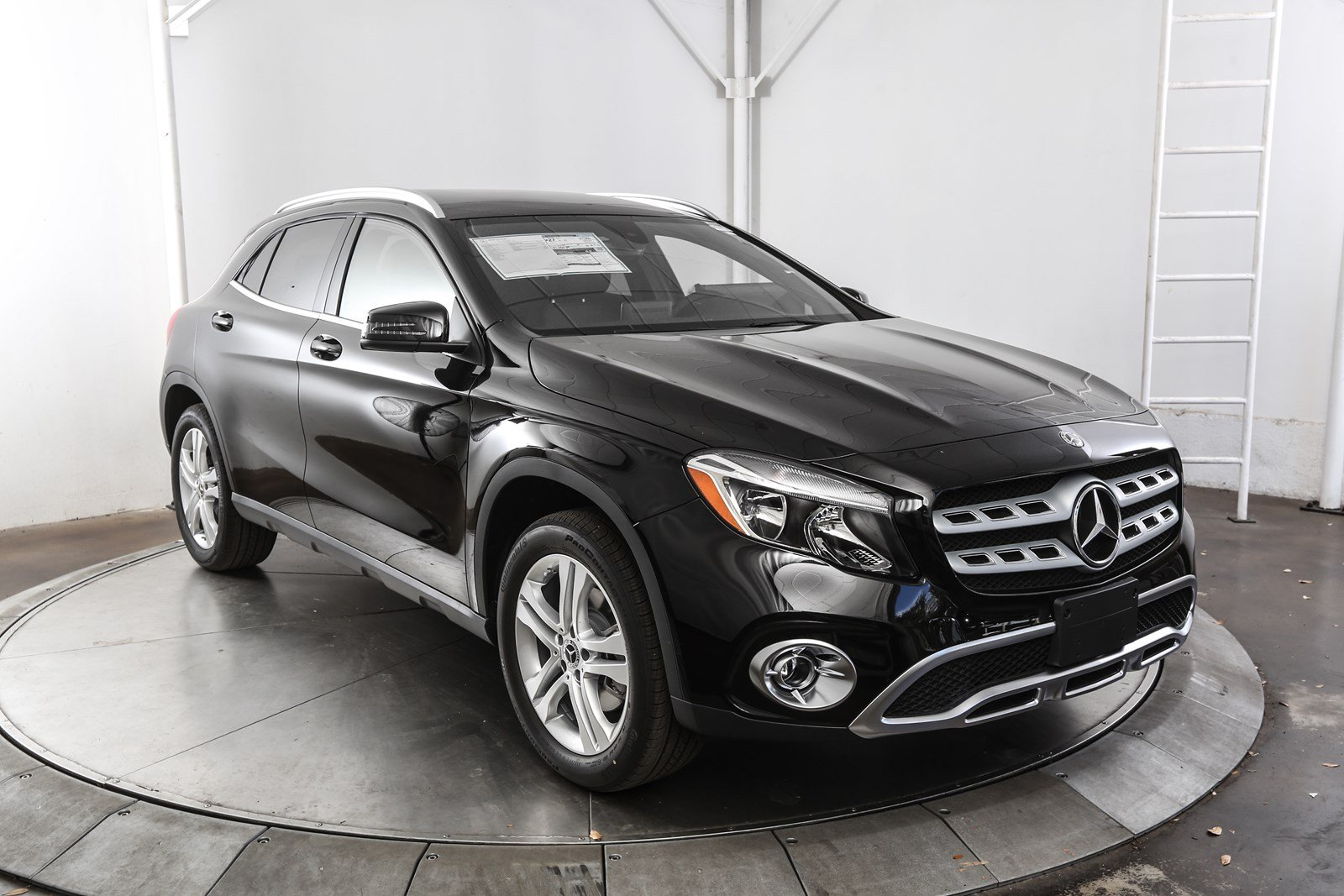 new 2018 mercedes benz gla gla 250 suv in austin m57775 mercedes benz of austin. Black Bedroom Furniture Sets. Home Design Ideas
