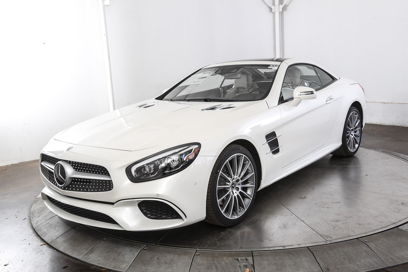 New 2018 mercedes benz sl class sl 450 roadster in austin for Mercedes benz of austin
