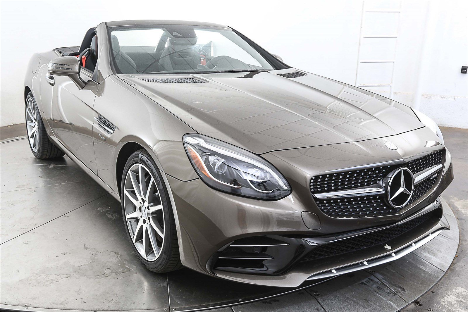 new 2017 mercedes benz slc slc 43 amg roadster roadster in austin m26161 mercedes benz of austin. Black Bedroom Furniture Sets. Home Design Ideas